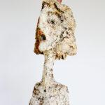 """""""Manola asustada"""", año 2012, material reciclado, 40 cm de alto"""